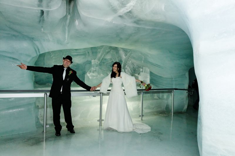 Marry in the ice caves in Switzerland