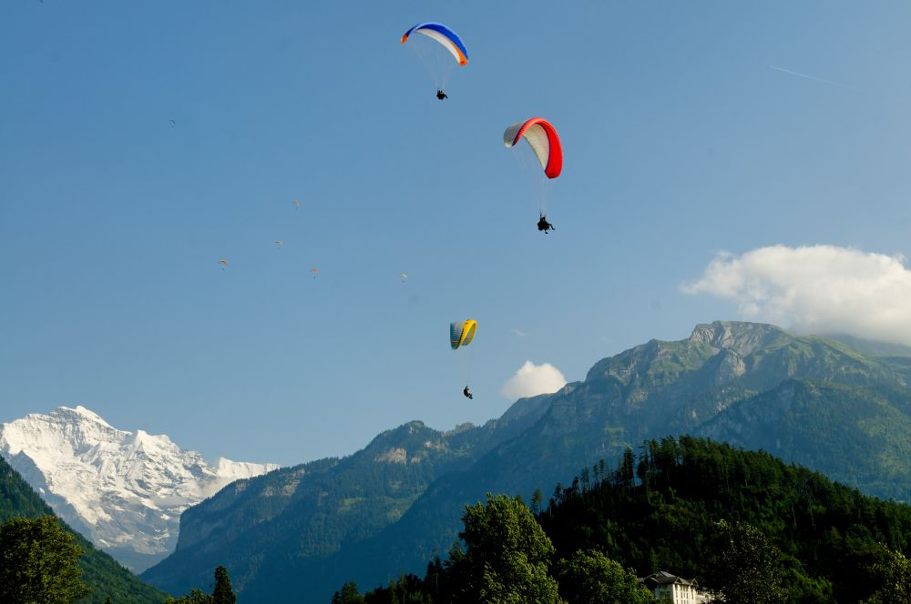 paragliding interlaken, Twin Paragliding tandem paragliding in Interlaken