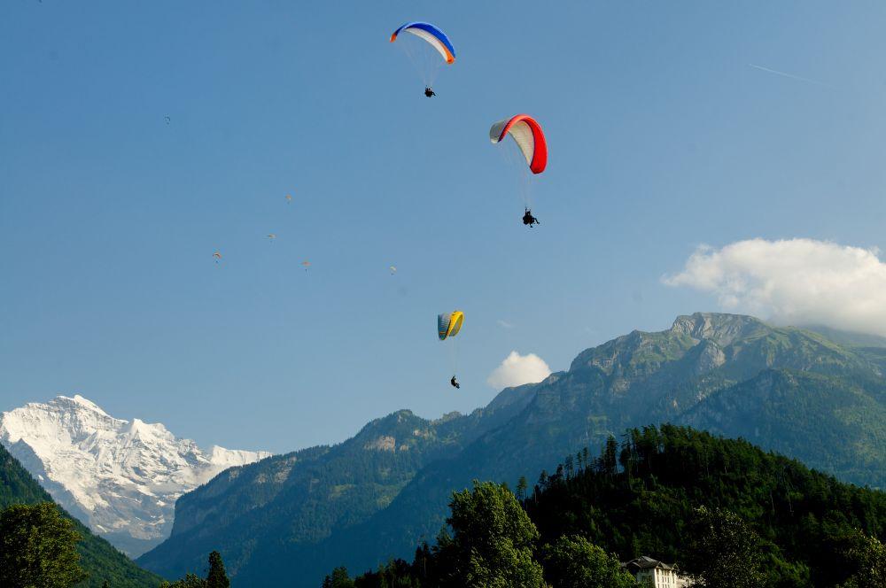 paragliding interlaken, Twin Paragliding tandem paragliding in Interlaken