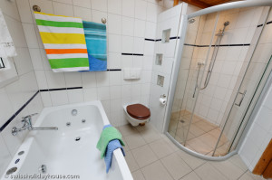 Jet bathtub vacation home